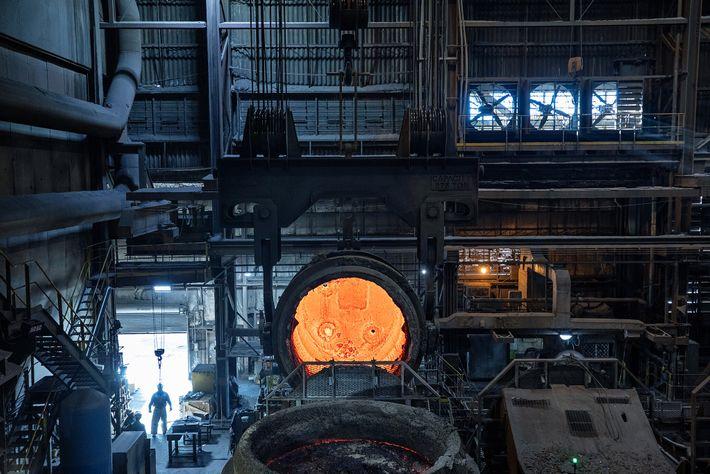 En Montpelier, Iowa, los hornos de la acería SSAB Americas operan con electricidad, y, según la ...