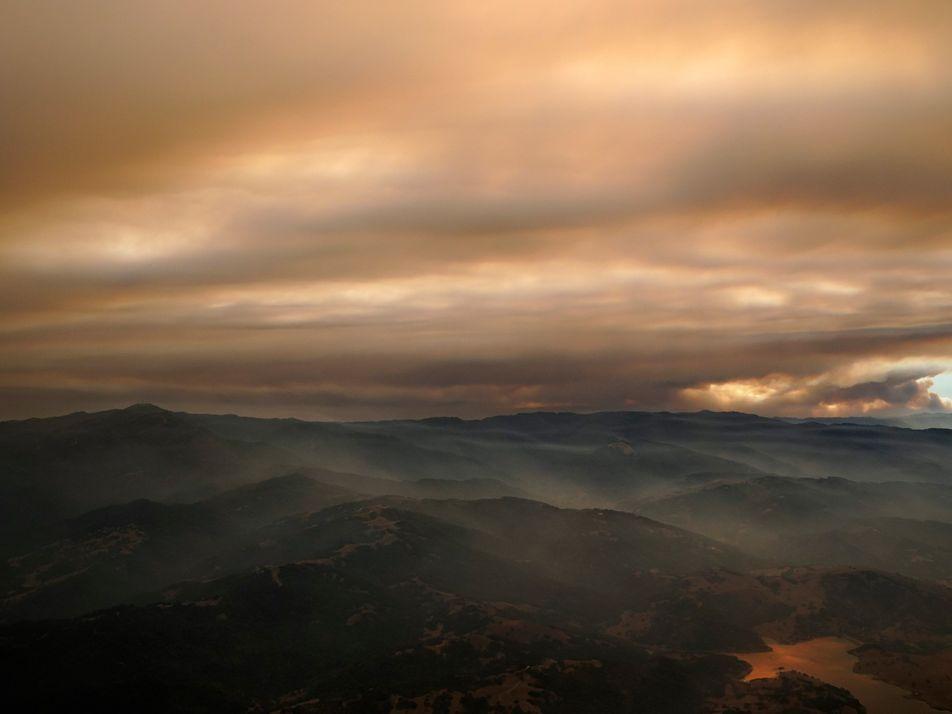 En California, hoy el humo preocupa más que la pandemia
