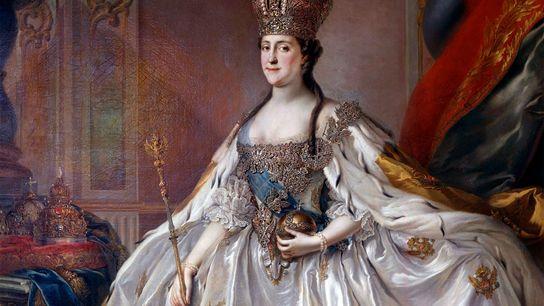 Un retrato de Catalina la Grande vestida para su coronación luego de arrebatarle el trono a ...