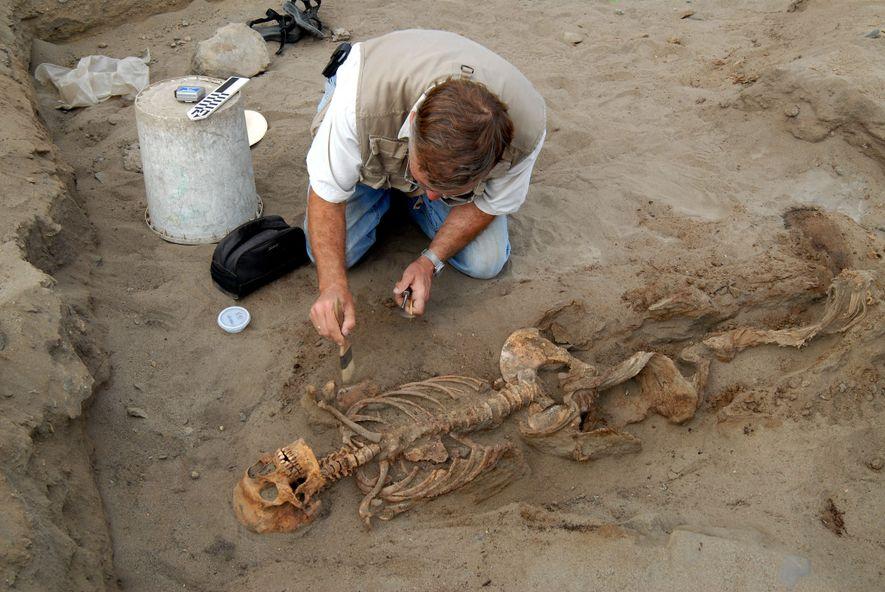 child-sacrifice-male-skeleton-sacrifice