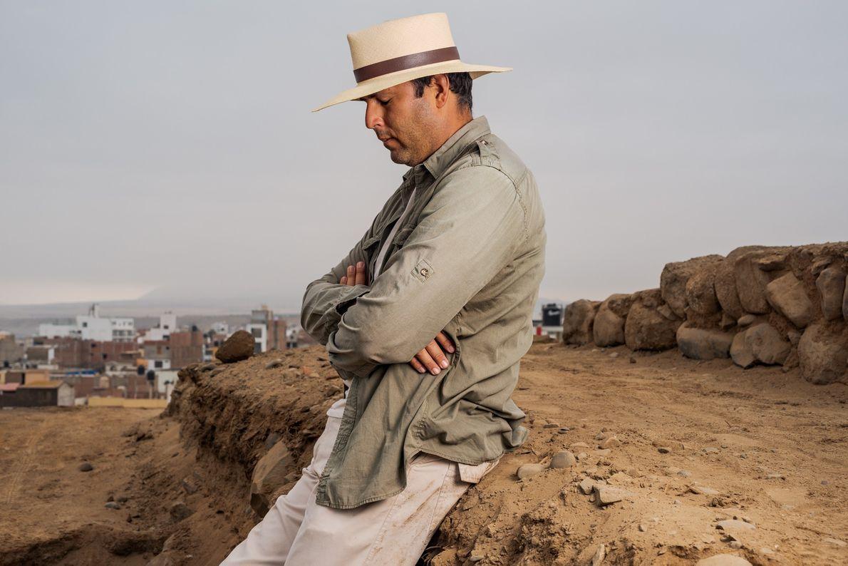Prieto, explorador de National Geographic y profesor de arqueología en la Universidad Nacional de Trujillo, se ...
