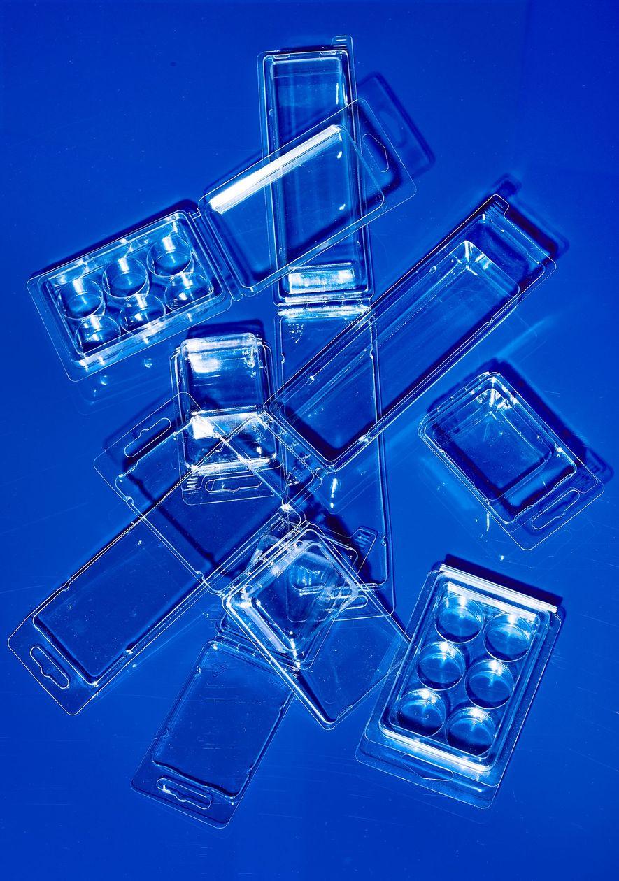 Los envases plásticos, como estos estuches, pueden reciclarse. Pero no significa que esto siempre se haga.