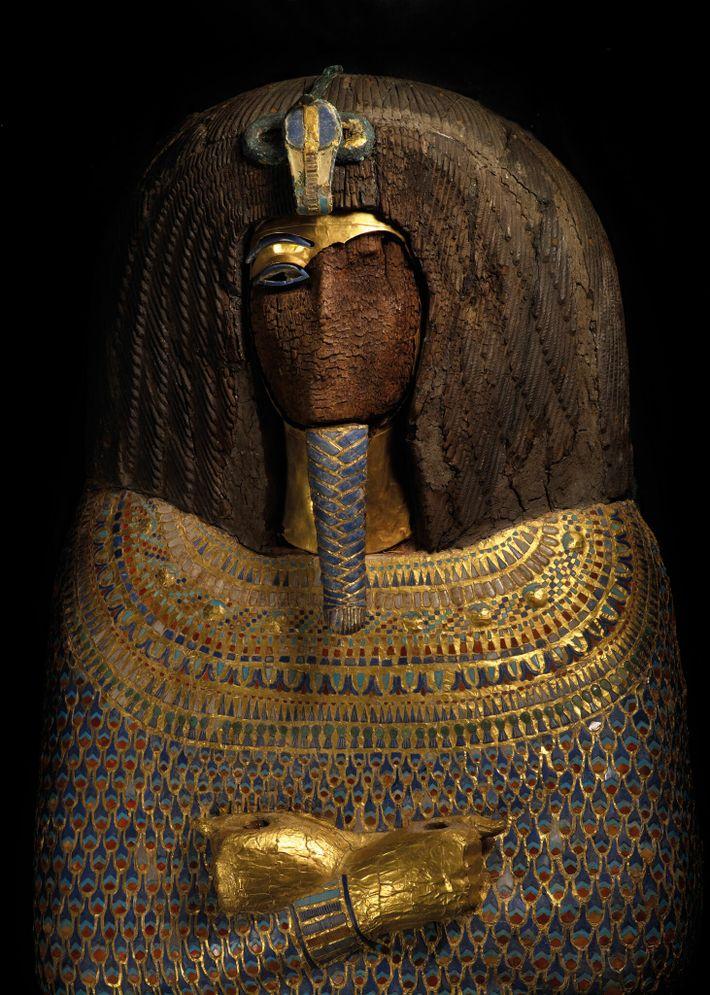 El rostro elaborado de este ataúd ya no estaba cuando lo encontraron en 1907 en la ...