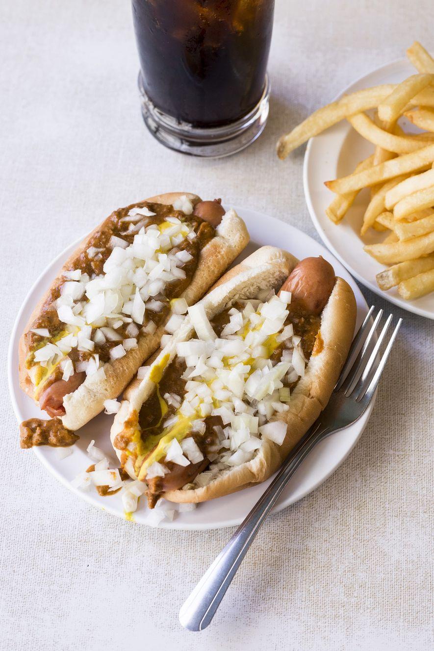 Los restaurantes de Detroit más codiciados en Coney Island, Lafayette y American, crean el icónico perro ...