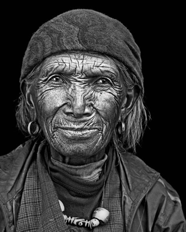 Una mujer sherpa llama hogar a la región entre Nepal y Tíbet.