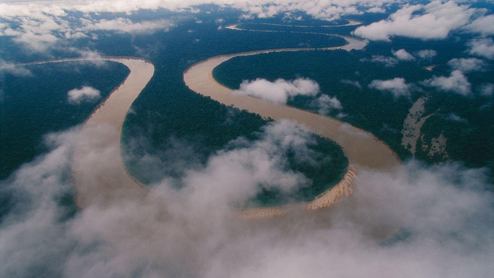 El río Itaquaí atraviesa la región amazónica del extremo oeste de Brasil y desemboca en el ...
