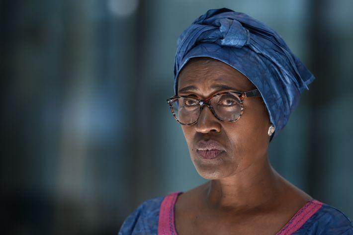 """""""Te pones de pie porque crees que puedes encontrar una respuesta"""", expresa Winnie Byanyima, directora ejecutiva ..."""