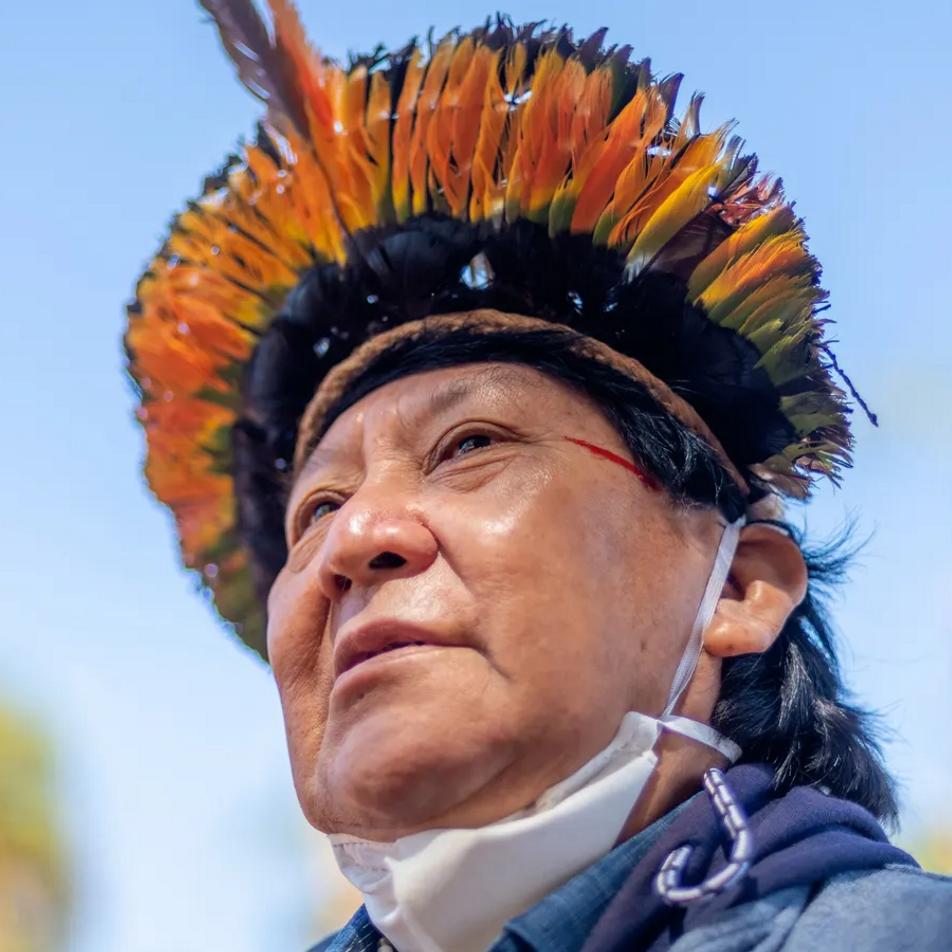 Davi Kopenawa cuenta cuál es la realidad que viven los pueblos indígenas actualmente en Brasil