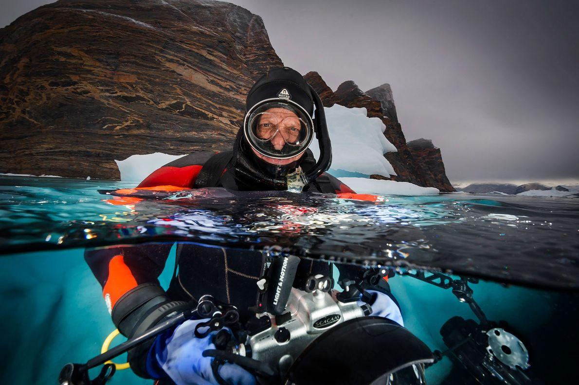 David Doubilet fotografía icebergs cerca de Red Island, en el fiordo de Scoresbysund, Groenlandia Oriental.