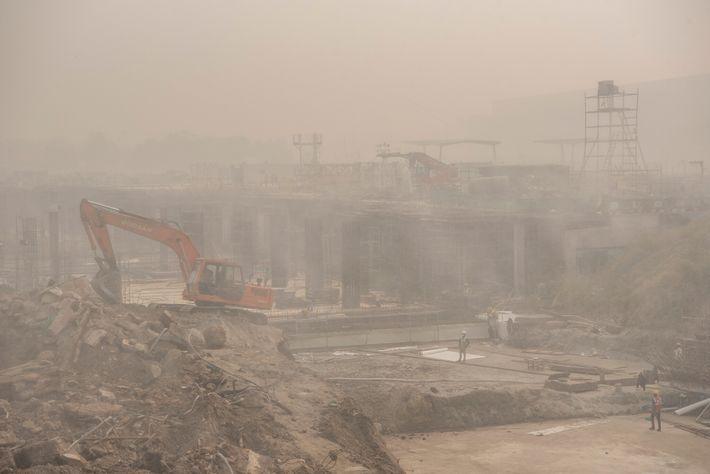 En la temporada de invierno, la contaminación de la construcción como esta se ve agravada por ...