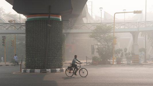 En Nueva Delhi, la temporada de quema de rastrojos hace que el aire sea aún más ...