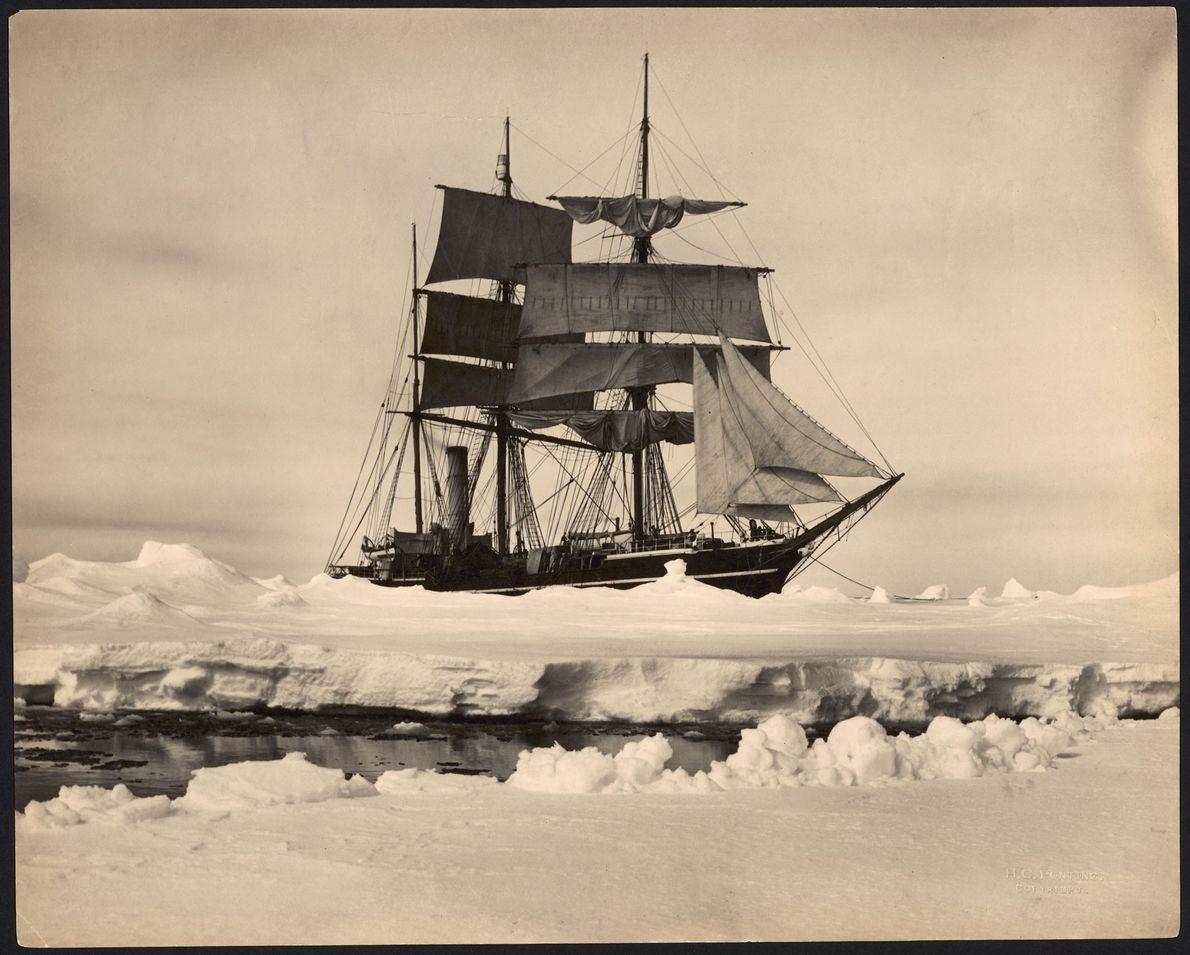El S.S. Terra Nova llevó exploradores a la Antártida de 1910 a 1912. Originalmente, había sido ...