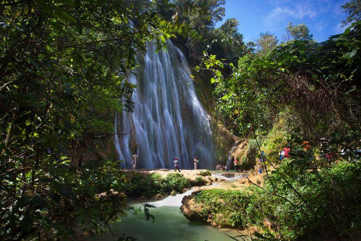 Con una caída de más de 40 metros, la recóndita atracción El Limón es una de ...