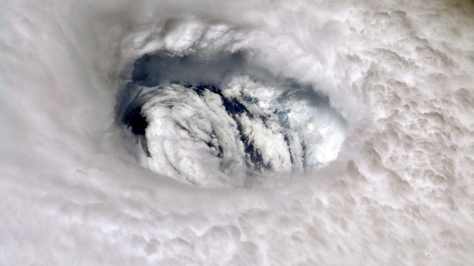 Ojo del huracán Dorian visto desde la Estación Espacial Internacional.