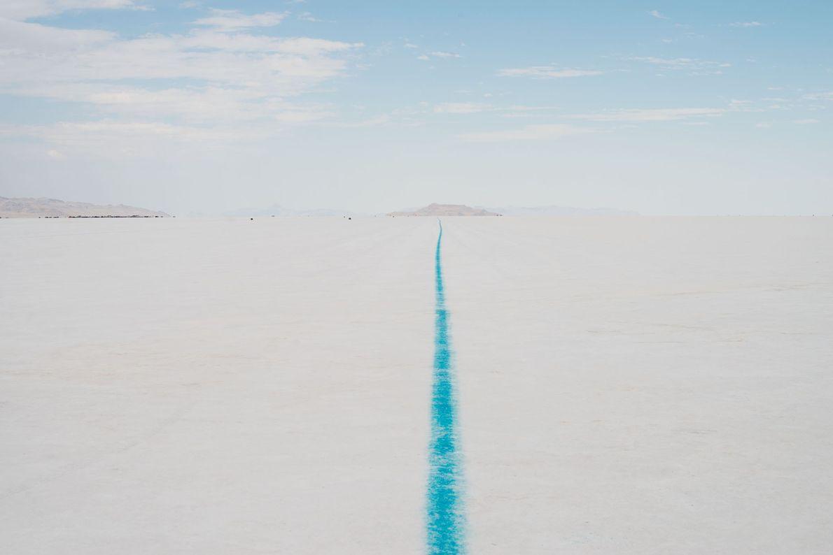 El Salar de Bonneville de Utah tienen unas 46 millas cuadradas de dura corteza blanca y ...