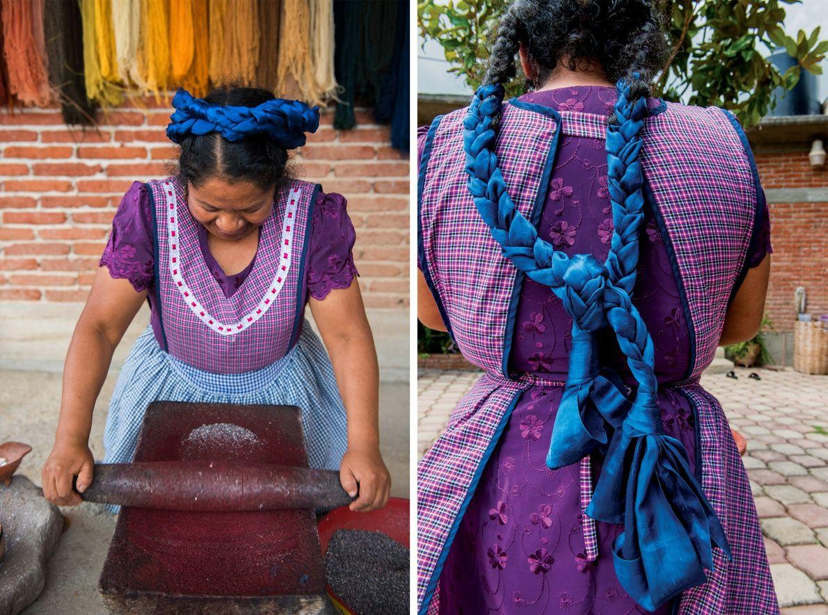 Mendoza de Cruz muele cochinilla, un insecto local, para producir tintura violeta.