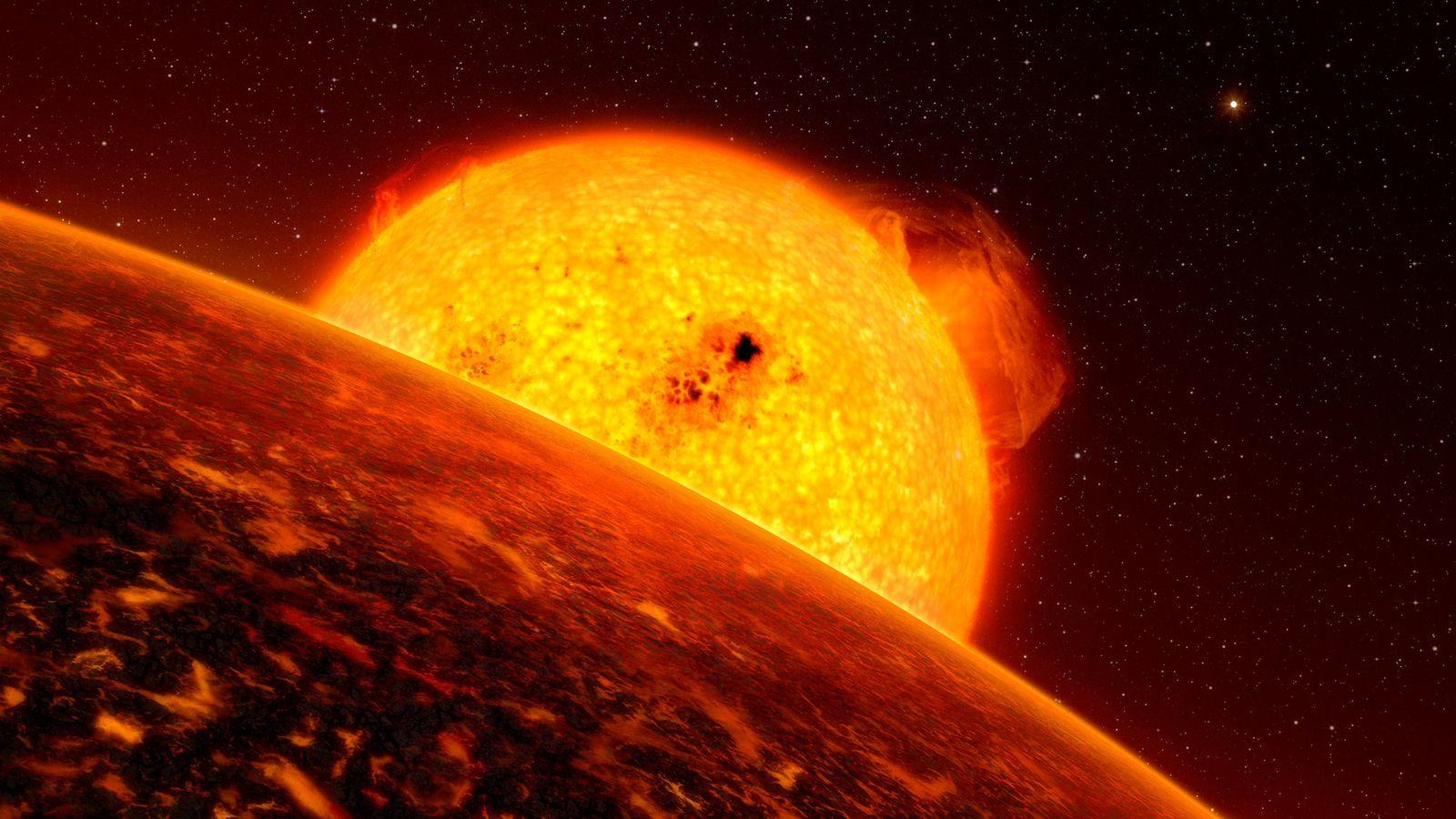 En esta ilustración, se observa un exoplaneta orbitando su estrella. Un análisis reciente de la información ...