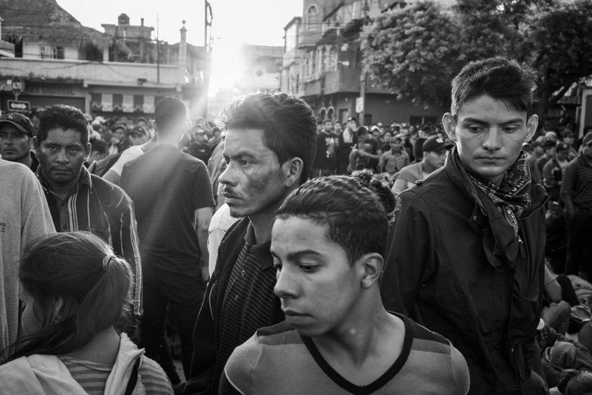 Tecún Umán, Guatemala. 2 de noviembre de 2018. A partir de las 5 de la mañana, ...