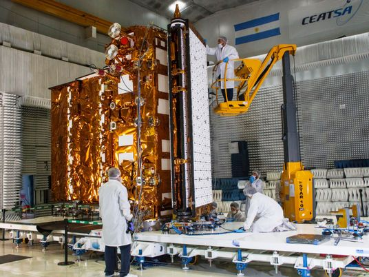 Un despegue en pandemia: se lanza el satélite argentino SAOCOM 1B