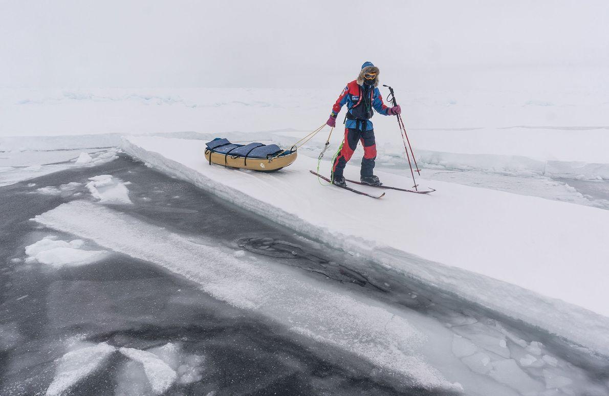 A veces, a Larsen y a Ryan Waters no les quedaba otra que seguir el hielo ...