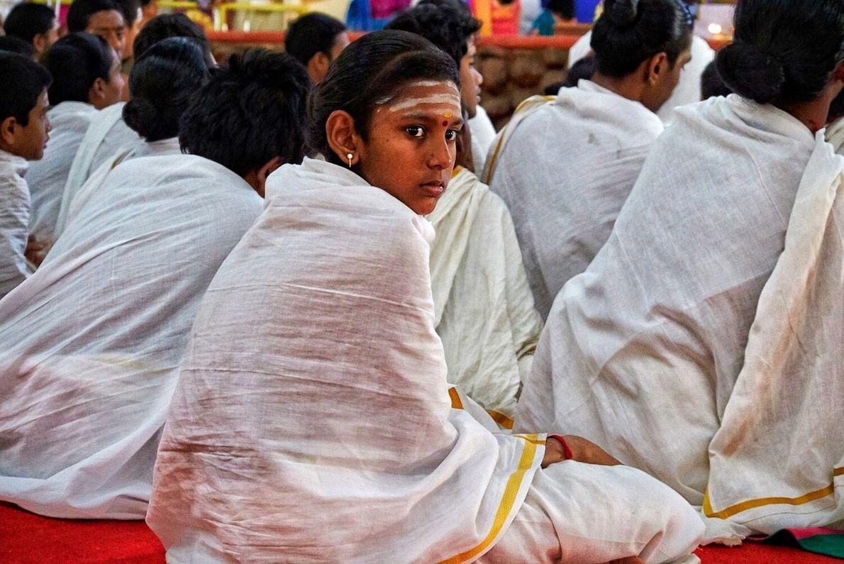 Otra parte fundamental del áshram, en Bangalore, es la Escuela Védica, palabra que viene del sánscrito ...