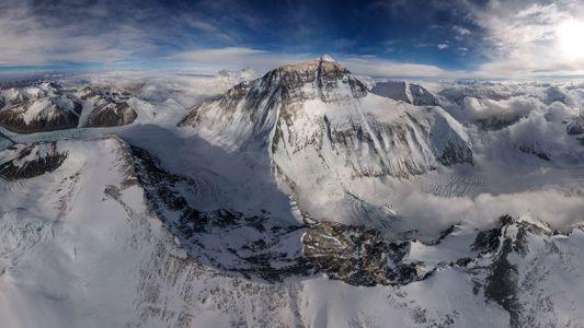 Un dron captura una imagen inédita del Monte Everest
