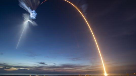 Aprende sobre cohetes y lanzamientos