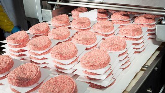 La comida rápida aumenta la exposición a sustancias químicas duraderas