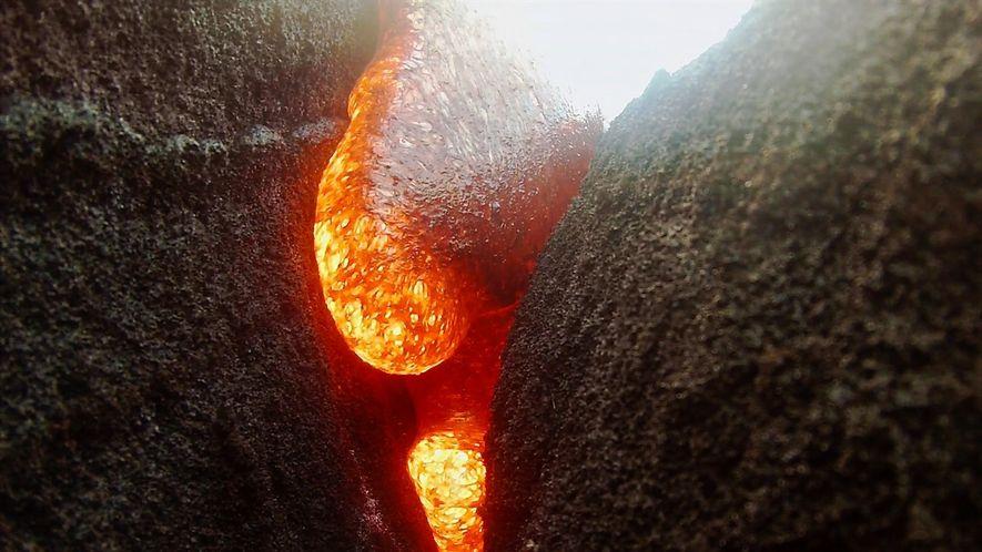 Una cámara queda sumergida en lava pero continúa grabando