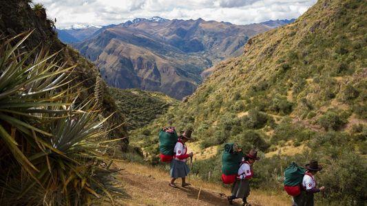 Conozca a las primeras mujeres porteadoras de Perú