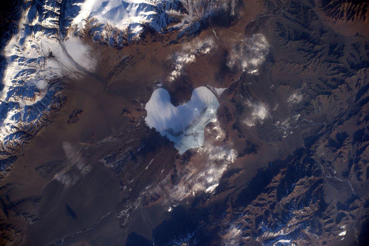 La Agencia Espacial Europea celebró el Día de San Valentín del año 2019 compartiendo una foto ...