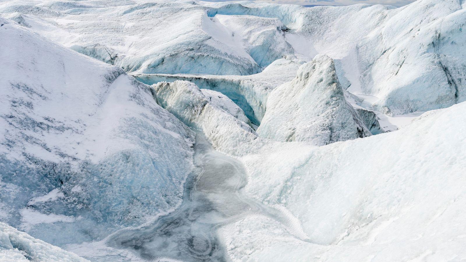 La velocidad a la que se derrite la capa de hielo de Groenlandia es demasiado rápida ...