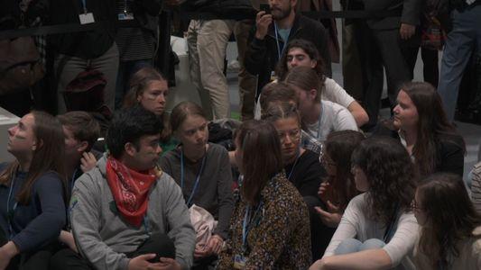 """COP25: Sentada de """"Fridays for Future"""" a la llegada de Greta Thunberg a Madrid"""