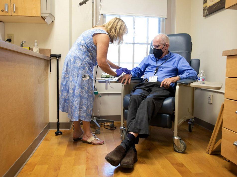 Cómo funciona el nuevo fármaco para el Alzheimer y por qué la FDA está siendo criticada ...
