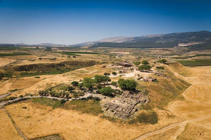 Una vista panorámica de Hazor, importante ciudad cananea del siglo XIV a. C., cuyas ruinas se ...