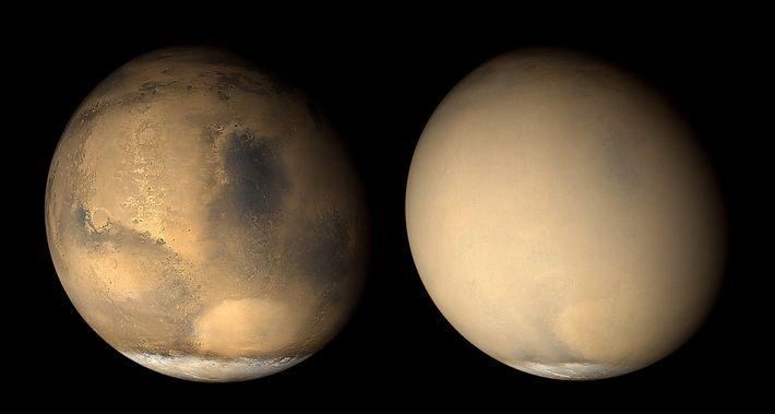 Dos imágenes de Marte tomadas con un mes de diferencia en el año 2001 por el ...