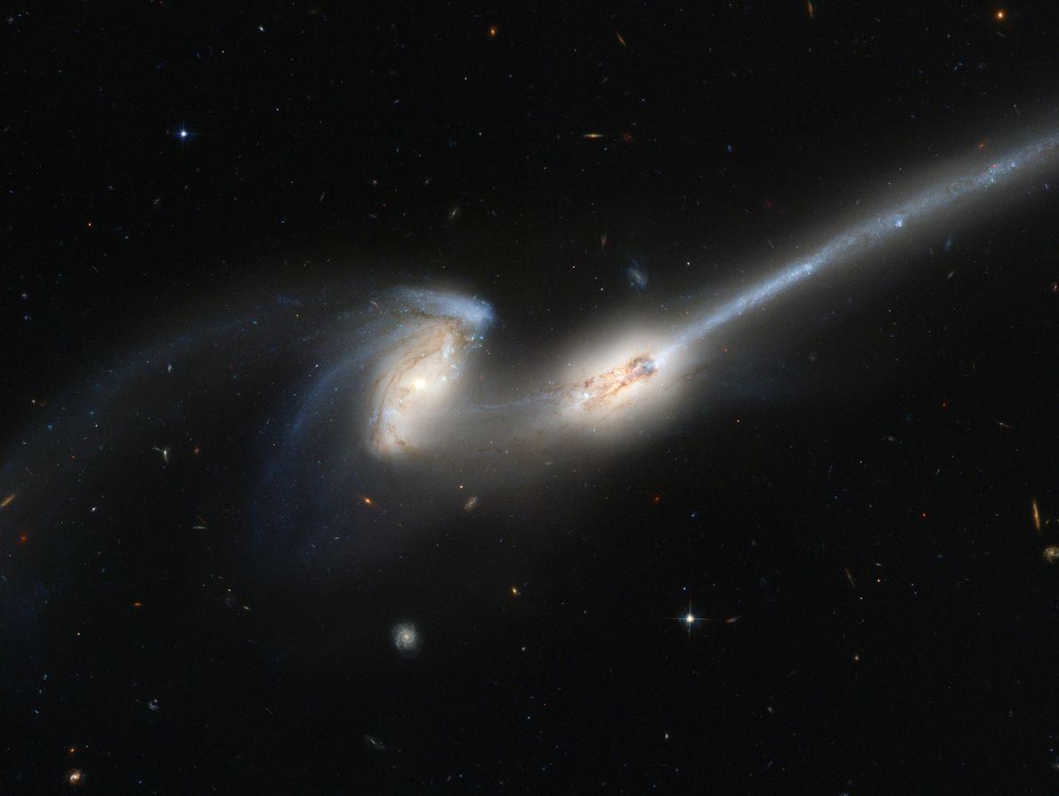 Las galaxias de Andrómeda y la Vía Láctea se acercan la una a la otra a ...