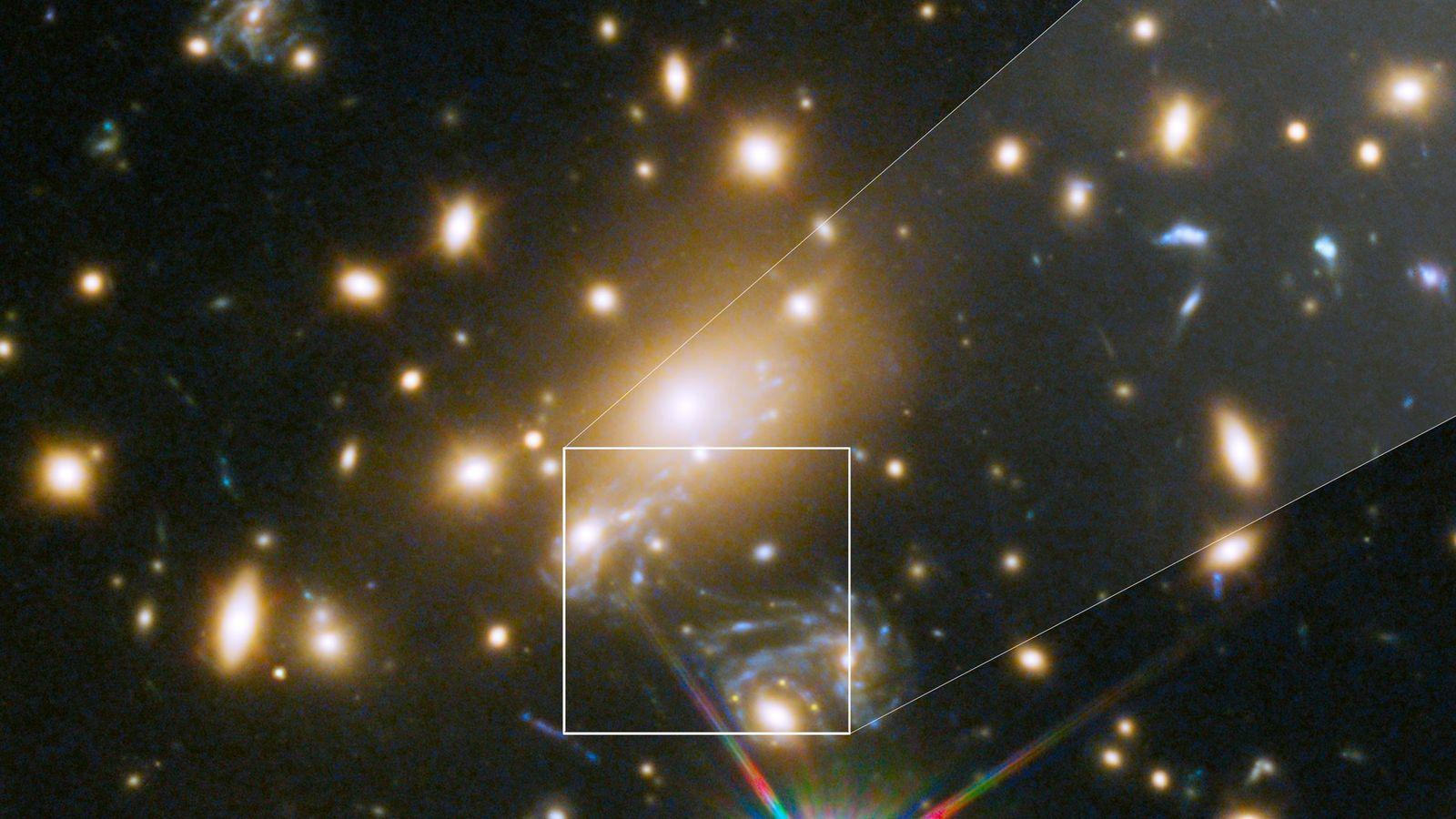 Icarus, cuyo nombre oficial es MACS J1149+2223 Estrella Lentificada 1, es la estrella individual más lejana ...