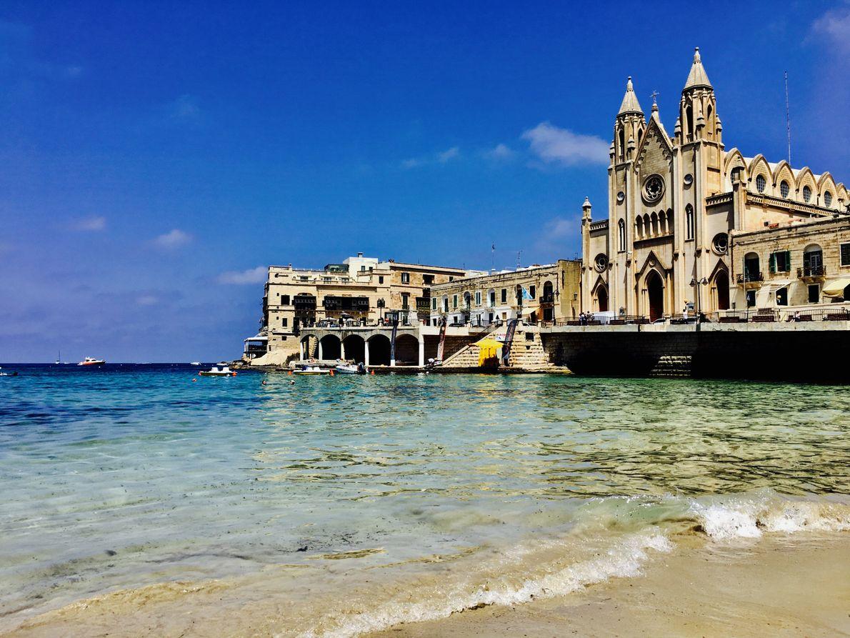 Malta es una isla en medio del Mar Mediterráneo con una enorme historia de culturas y ...