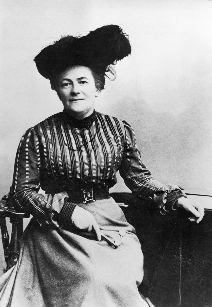 La socialista Clara Zetkin propugnó por los derechos de la mujer y por el sufragio universal ...