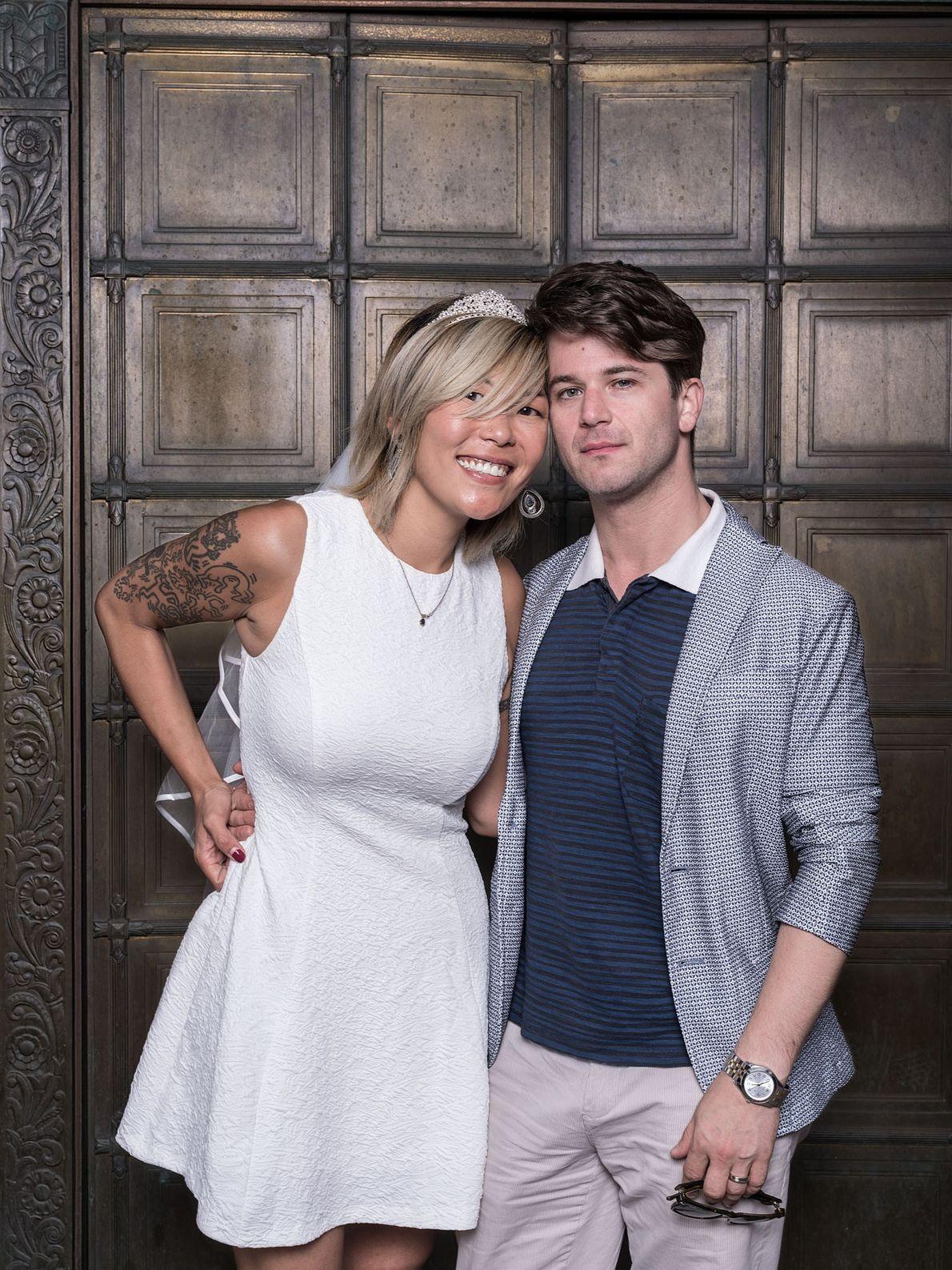 Amanda Moore-Honigsberg y Gregory Honigsberg se conocieron por primera vez en 2015 en el trabajo, en ...