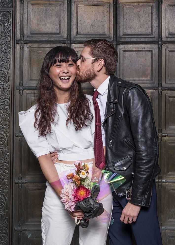 "Nathan Reese es de California; su novia, Connie Wang, es de ""Minnesota vía Jinan, China"", comenta ..."