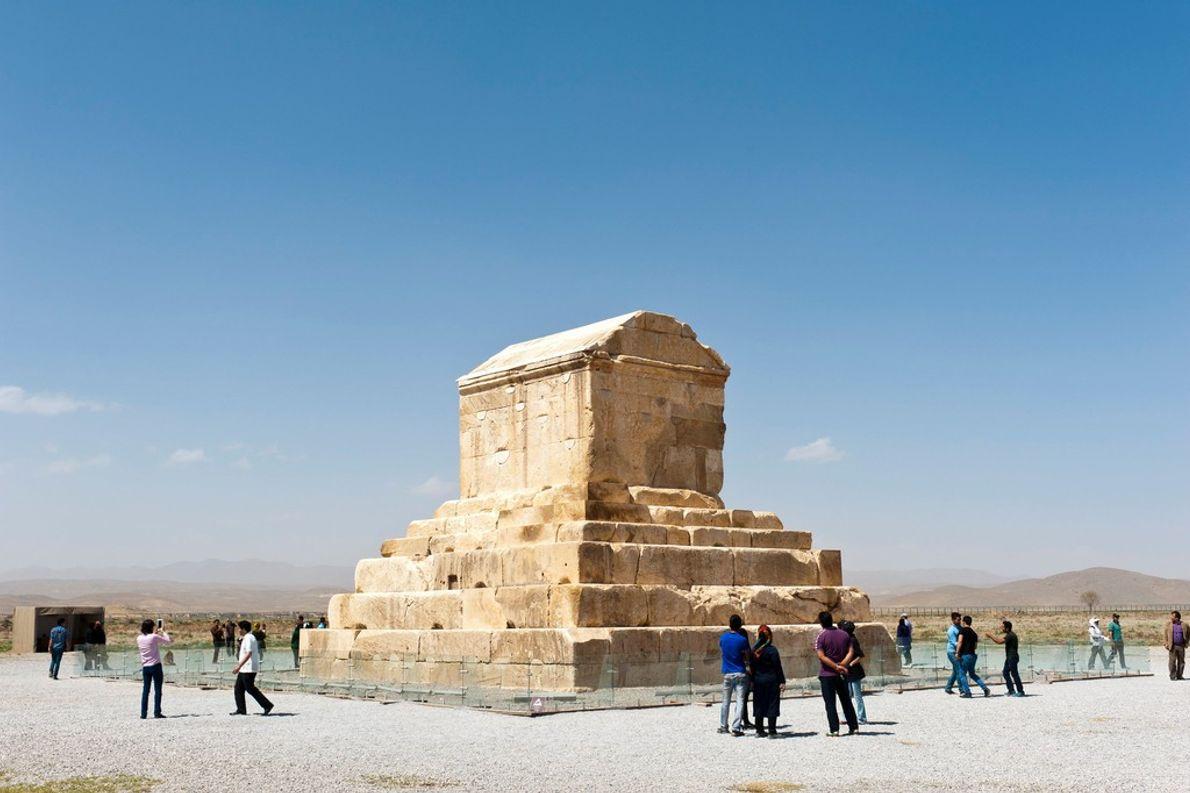 La tumba del emperador persa Ciro el Grande, que gobernó desde 559 hasta 530 A.C., se ...