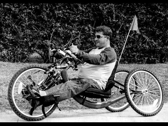 El día que Jean Maggi se subió por primera vez a una bicicleta adaptada.