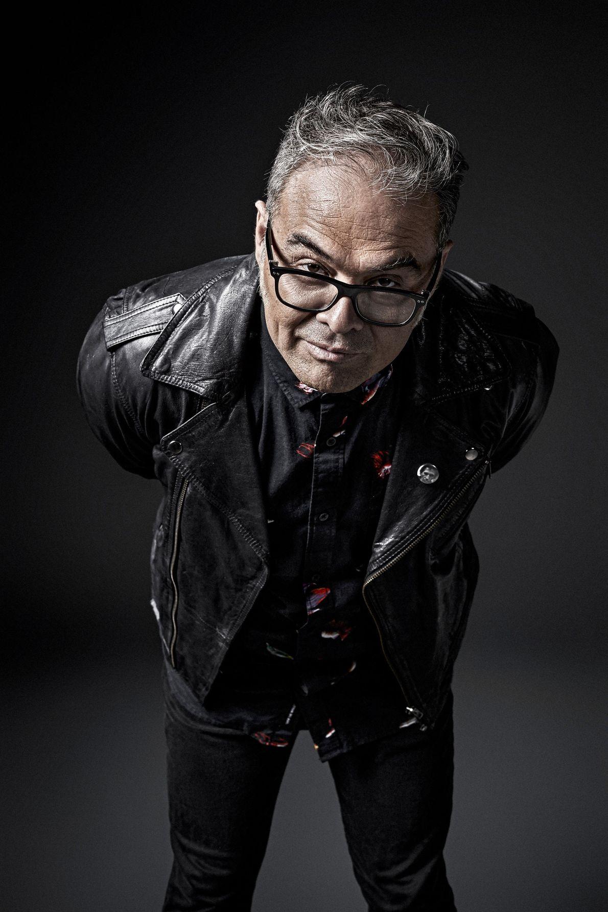Joselo es un músico, compositor, productor discográfico y escritor mexicano. Además de ser uno de los ...