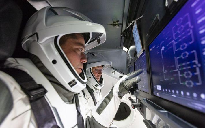 Los astronautas de la NASA Robert Behnken y Douglas Hurley