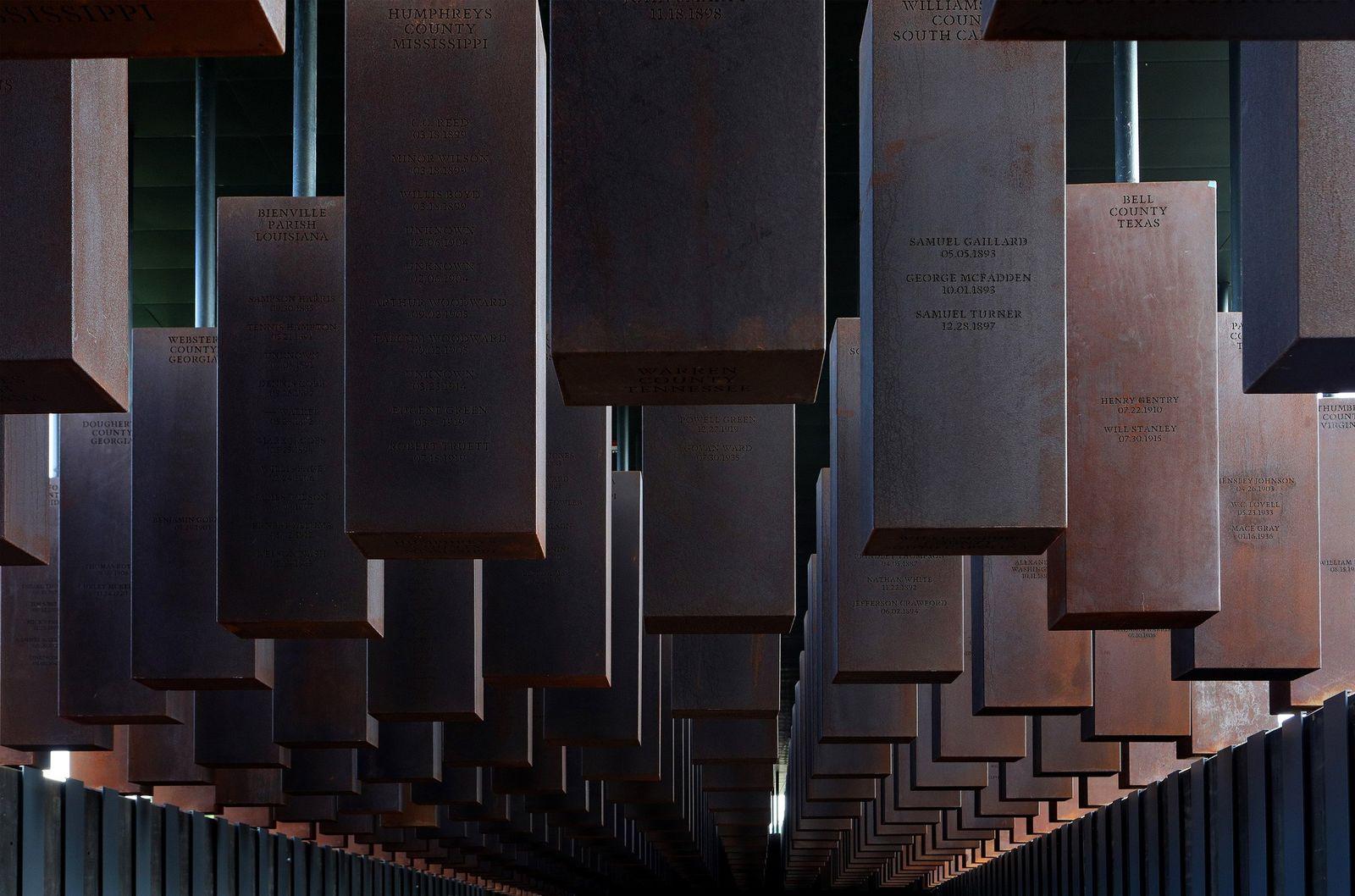 El National Memorial for Peace and Justice (Monumento Nacional por la Paz y la Justicia), que ...