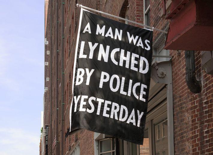 2015, luego de que Walter Scott, un hombre negro, recibiera un disparo por parte de un ...