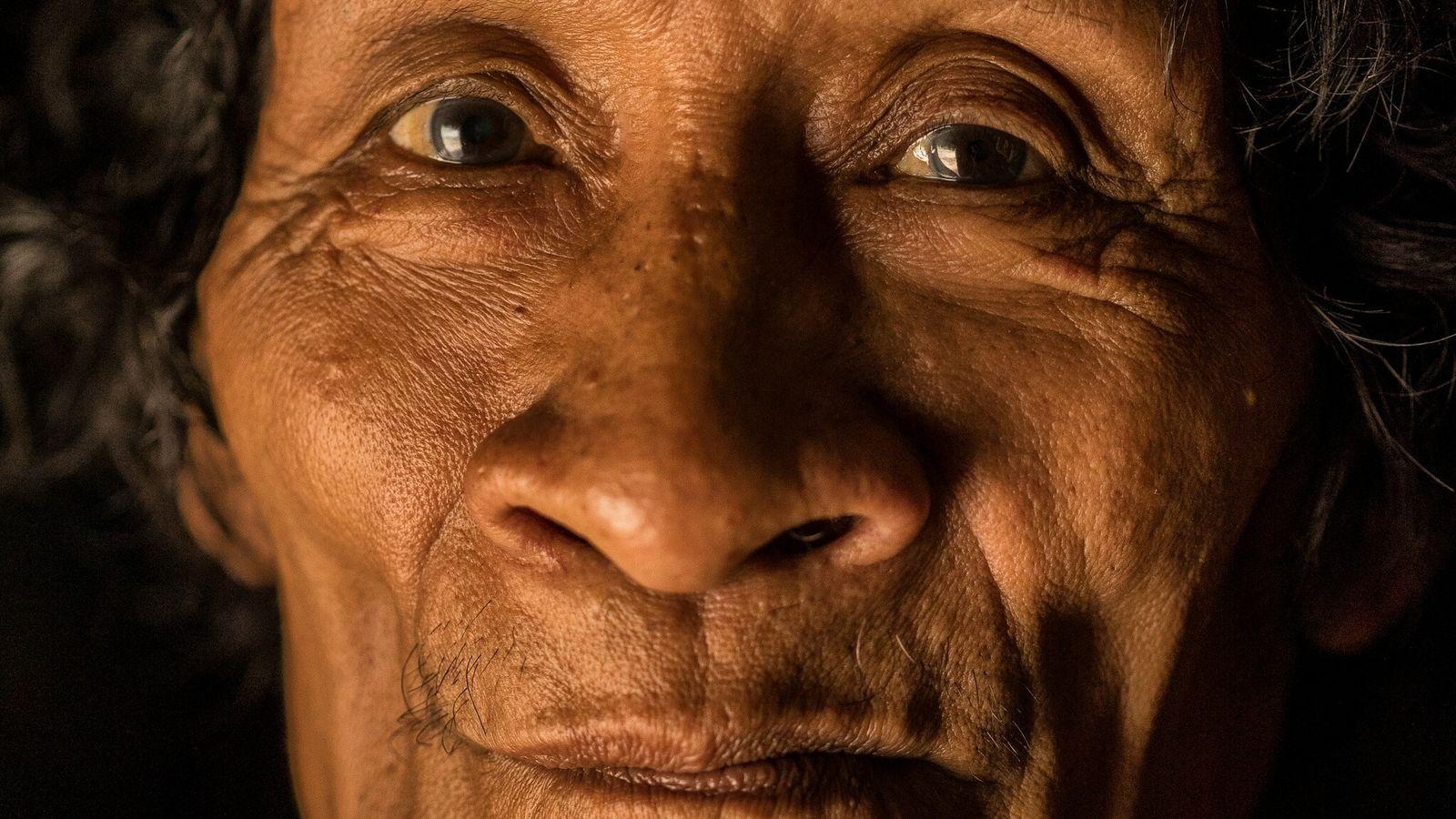 Conoce la historia del hombre indígena que sobrevivió a una odisea amazónica de 10 años, pero ...