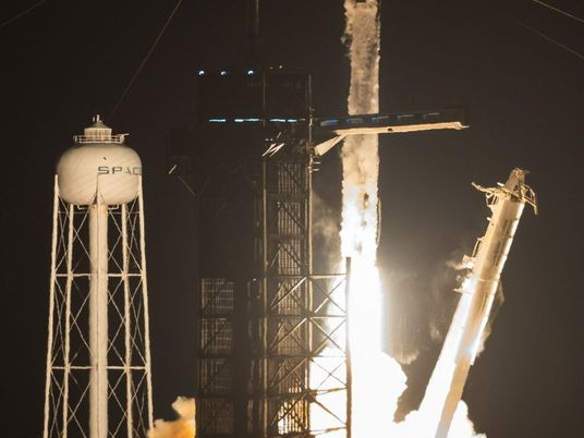 SpaceX lanza la primera misión tripulada con un cohete reutilizado